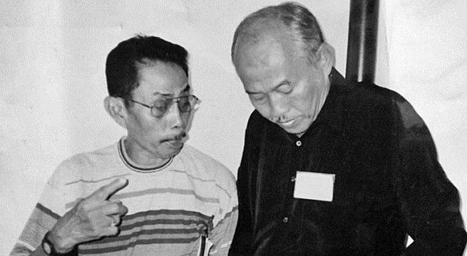 Kolonel A Latief (kiri) di era pemerintahan Presiden Soekarno. [FOTO/Istimewa]
