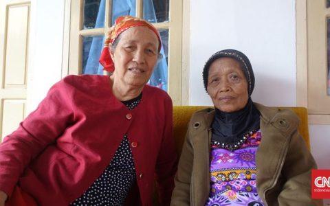 Nadiani dan Rosnina, pengurus Gerwani Sumatera Barat. Mereka dekat dengan Ahmad Yani, salah satu jenderal yang tewas di Lubang Buaya. (CNN Indonesia/Prima Gumilang)