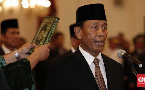 Wiranto resmi menjabat Menko Polhukam di Kabinet Kerja Jokowi. (CNN Indonesia/Safir Makki)