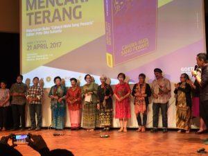 Beberapa anggota Dialita yang hadir di Mencari Terang (urutan keempat dari kiri sampai urutan kesembilan)