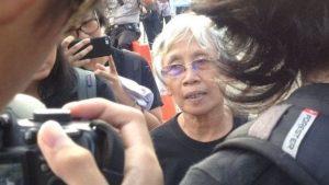BBC INDONESIA Sumarsih, ibunda Norman Irawan, korban meninggal dunia dalam Peristiwa Semanggi 1, mengatakan RKUHP akan membiarkan pelanggaran HAM terjadi terus menerus.