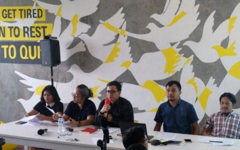 Konferensi pers beberapa lembaga swadaya masyarakat soal tragedi 1965 | BBC INDONESIA/TITO SIANIPAR