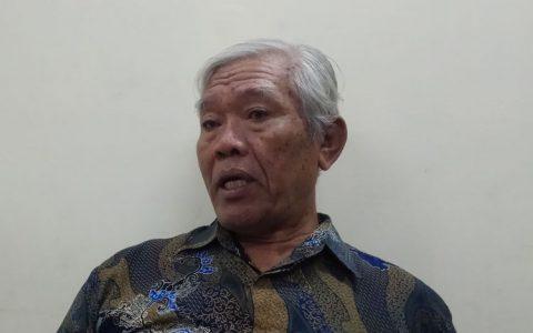 Ketua Yayasan Penelitian Korban Pembunuhan 1965-1966, Bedjo Untung Saat Ditemui di Kantor Komnas HAM, Jakarta, Selasa (24/10/2017).(KOMPAS.com/ MOH NADLIR)
