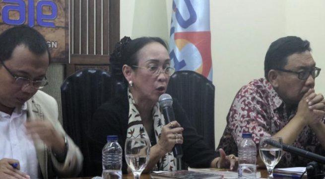 Sukmawati Soekarnoputri, putri dari Presiden Pertama RI Soekarno, saat ditemui di kantor PARA Syndicate, Jakarta Selatan, Jumat (30/9/2016).(Kristian Erdianto)
