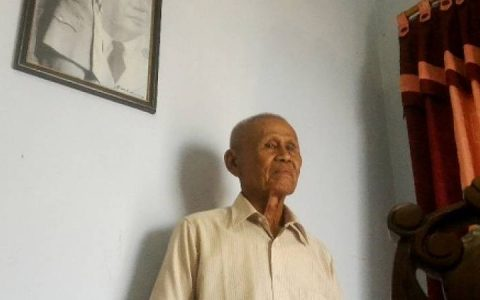 Ishak, bekas anggota pasukan Cakrabirawa. Foto: Muhammad Ridlo/KBR.