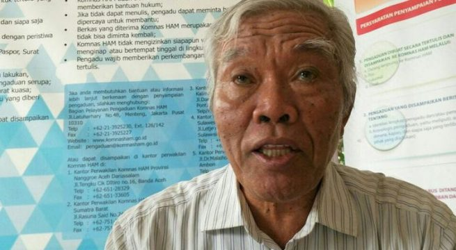 Ketua Yayasan Penelitian Korban Pembunuhan 1965/1966 (YPKP 65), Bedjo Untung kembali melaporkan temuan lokasi kuburan massal baru di Indonesia kepada Komisi Nasional Hak Asasi Manusia (Komnas HAM). Jakarta, Rabu (15/11/2017).(KOMPAS.com/ MOH NADLIR)