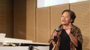Astuti Ananta Toer mengaku butuh waktu satu tahun untuk menerima balasan surat ayahnya yang kala itu diasingkan di Pulau Buru