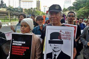 """""""Tak ada reformasi tanpa pengadilan terhadap Soeharto"""", kata Bedjo Untung ."""
