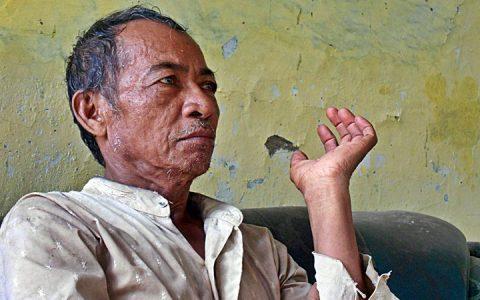 MS THAIB: Anak sulung MS Thaib, Murbo Tengku Satriyo, 68 th, bertutur kisah seputar hilangnya sang ayah dalam tugas 'turba' di Kertapati Lampung pada bulan Oktober 1965. Keluarga dan sanak famili tak pernah tahu dimana rimbanya dan bagaimana nasib salah satu pengurus pusat BTI ini sejak Oktober 1965 [Foto: Humas YPKP 65]