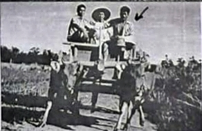 PULAU BURU; Roedi dengan cikar lembu [Foto; Doc. Pribadi/Roedi]