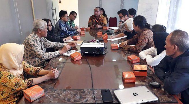 Meeting KSP: Pertemuan Korban yang biasa lakukan Aksi Kamisan di depan Istana dengan staf KSP (Kantor Staf Presiden) pada Selasa (13/08/2018) pukul 10.00-13.00 di gedung KSP Kompleks Istana Bina Graha Jakarta [Foto: Bju]