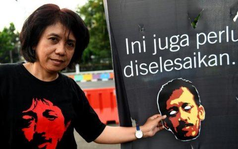 Istri almarhum Munir, Suciwati mengikuti aksi Kamisan ke-552 di Jakarta, Kamis (6/9/2018). ANTARA FOTO/Akbar Nugroho Gumay