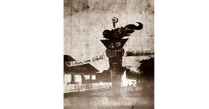 Tugu palu arit di Losari. (Harian Rakjat, 5 Juni 1965).