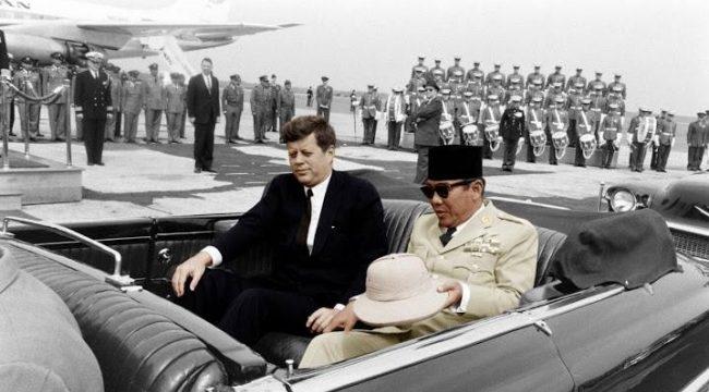 JF Kennedy - Soekarno