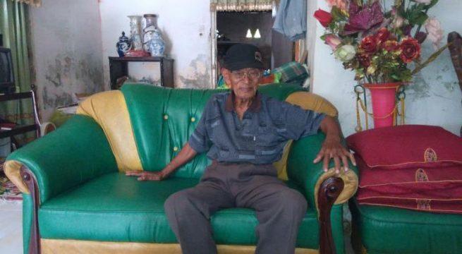 Saksi pelaku pembantaian anggota PKI di Palu, Sulawesi Tengah, Ahmad Bantam. Foto: Erna Dwi Lidyawati.