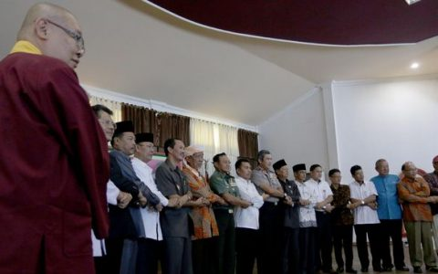 Ilustrasi kerukunan beragama di Indonesia. (ANTARA FOTO/Nova Wahyudi)