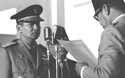 Potret transisi kekuasaan dari Presiden Sukarno ke Soeharto di Istana Merdeka, FOTO/Istimewa