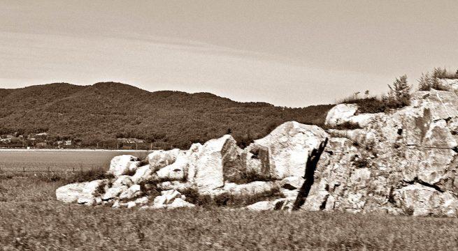 "JEJU: Pulau ""vulcano"" terbesar di semenanjung Korea yang merubah dirinya dari ""pulau kematian"" pasca genosida 1948-1954 menjadi ""pulau perdamaian"" yang bernilai sejarah dan menjadikan Pulau Jeju sebagai pilihan destinasi utama pariwisata Korea Selatan [Foto: Humas YPKP'65]"